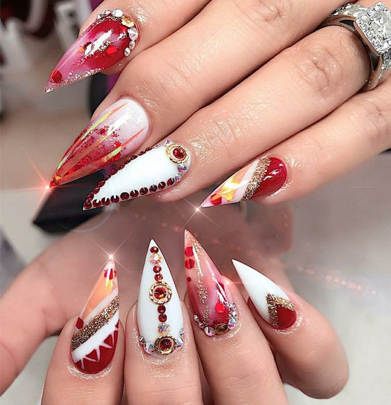 65 Christmas Stiletto Nail Art Ideas; Christmas nail art; Christmas nail art stiletto; simple Christmas nail; Stiletto Nail Art; Red Stiletto Nail; Red Nail Art;