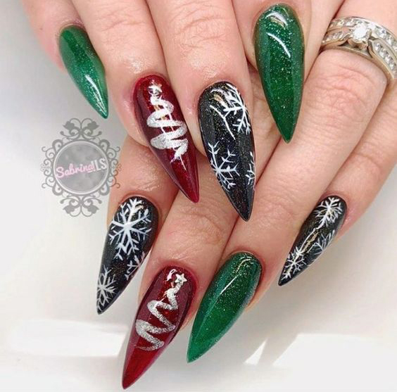 Christmas Stiletto Nails.65 Christmas Nail Art Ideas Easy To Copy Sumcoco