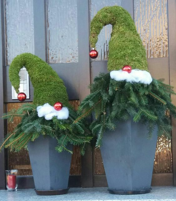 Christmas Decorations In Switzerland: 27 Simple And Easy Christmas Outdoor Decorations