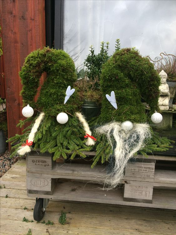 Simple and Easy Christmas Outdoor Decorations; home decor; Outdoor Decorations; Christmas Decorations; Christmas Crafts; Christmas tree;