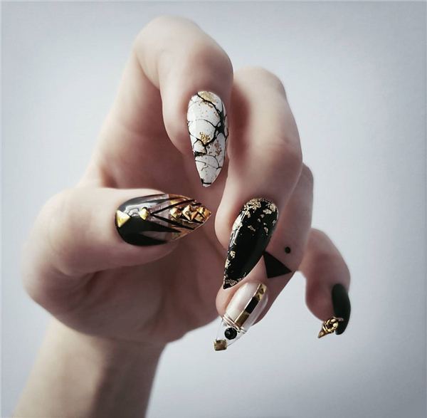 40+ Coolest Stiletto Nails Short Designs; Cool stiletto nails; stiletto nails; stiletto nails short; stiletto nails long