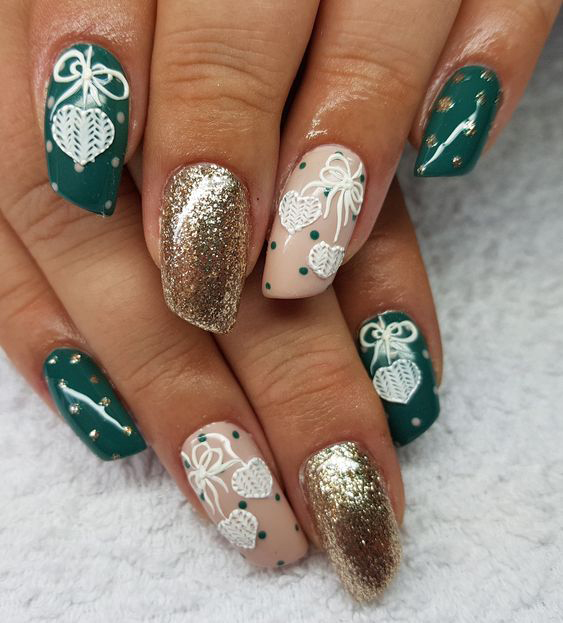 35+ Perfect Winter Nails For The Holiday Season; gold nails; winter nails; holiday nails;Snowflake; Christmas nails;