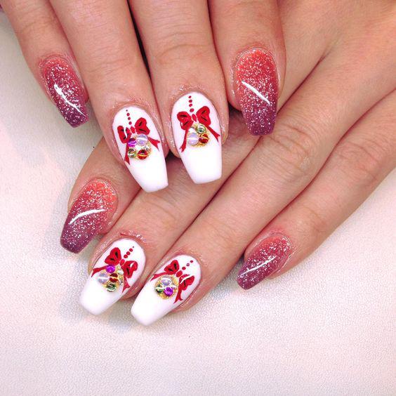 Christmas nail art design; Christmas nail art design stiletto; simple Christmas nail art design.Stiletto Nail Art;Red Stiletto Nail Art; Red Nail Art;