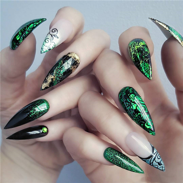 30+ Outstanding Emerald Green Nails Art Designs For You Sumcoco