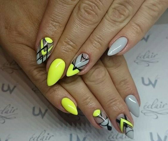 Yellow Nail Art Designs; Ombre nails; summer nails; spring nails; Yellow nails; bright nail polish; Easter nail; short nails; long nails.