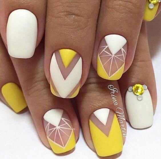 Yellow Nail Art Designs; Ombre nails; summer nails; spring nails; Yellow nails; bright nail polish; Easter nail; short nails; long nails.