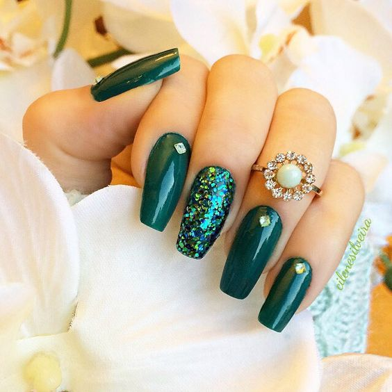 Beautiful Glitter Accent Nails;Emerald Green Nails;Long Emerald Green Nails;Coffin nails;