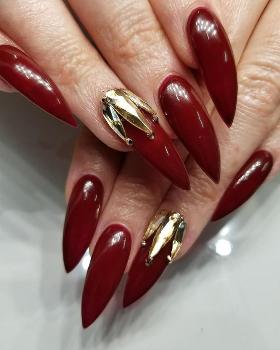 Stiletto Burgundy Nails;Nail Art Designs;Nail Art Inspirations;Nail Art Ideas;