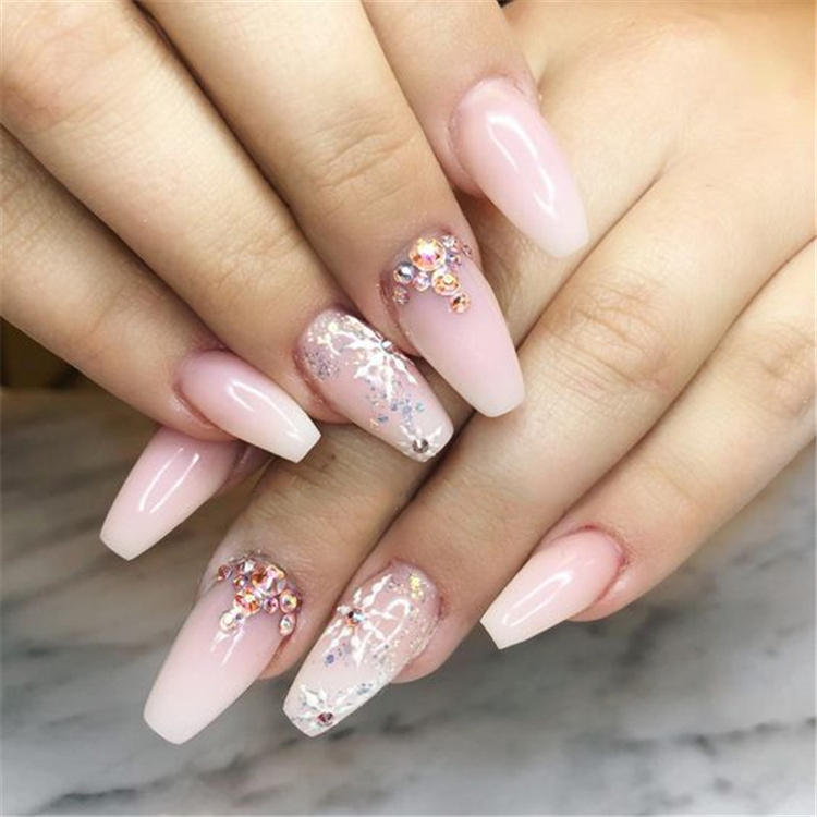 French Ombre Nails with Gold Glitter; baby boomer; coffin nails; ombre nails; acrylic nails;