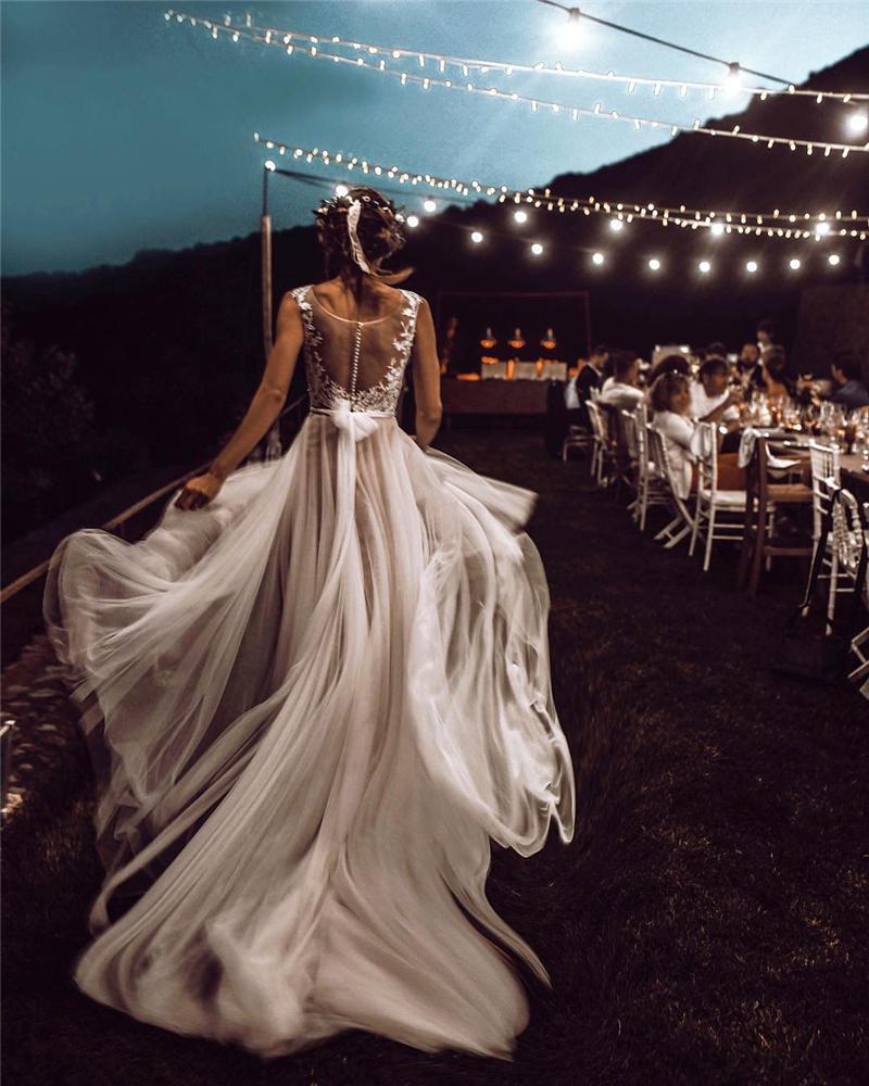 Bride Style; Wedding Ideas; Wedding Day; Bridal; Wedding Season; Wedding Details; Wedding Venue; Wedding Dress; Wedding Hairstyles; Wedding Trend