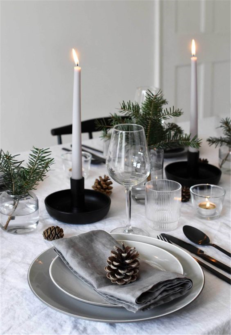 Christmas Table Decorations Centerpiece,Christmas Table Settings Ideas, Christmas Tablescapes,Modern Christmas Tablescapes, Christmas Table Decorations,