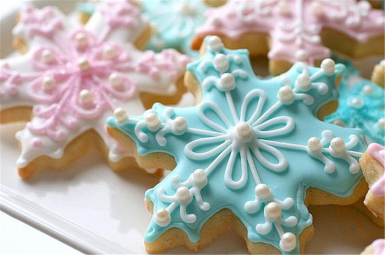 Christmas Decorations; Christmas Crafts; Christmas gifts;Christmas cookies; Snowflake cookies