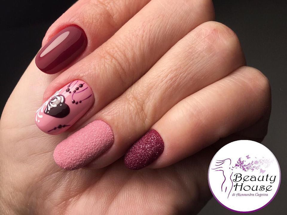 Valentine's Day nails; red nail art designs; pink nails; heart nails; acrylic nails.