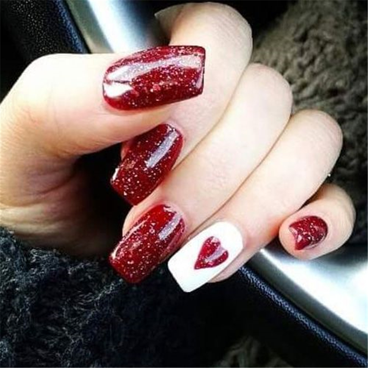 Valentine's Day nails; red nail art designs; Romantic heart shape nails; acrylic nails; #Valentine's Day makeup