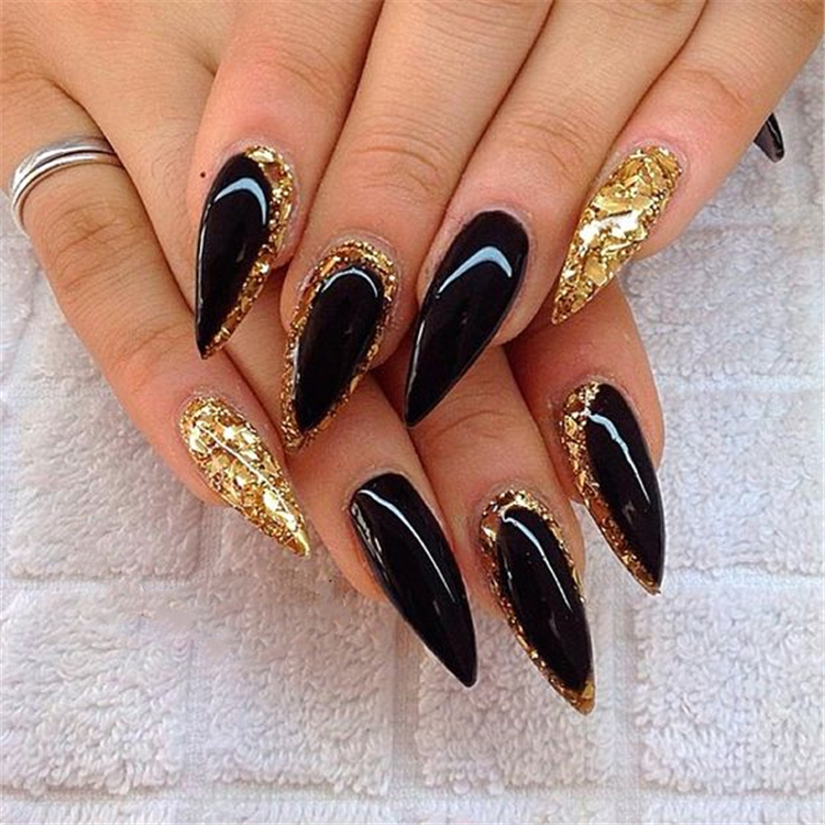 Cool stiletto nails; black stiletto nails; acrylic nails, Bold stiletto nails;