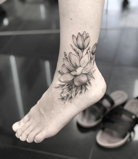 First tempt to make Tattoos on foot, best ideas for you, Tattoos on foot, simple Tattoo ; Flower Tattoos; Beautiful Tattoos; Sex foot Tattoos, Body Painting, tattoo designs