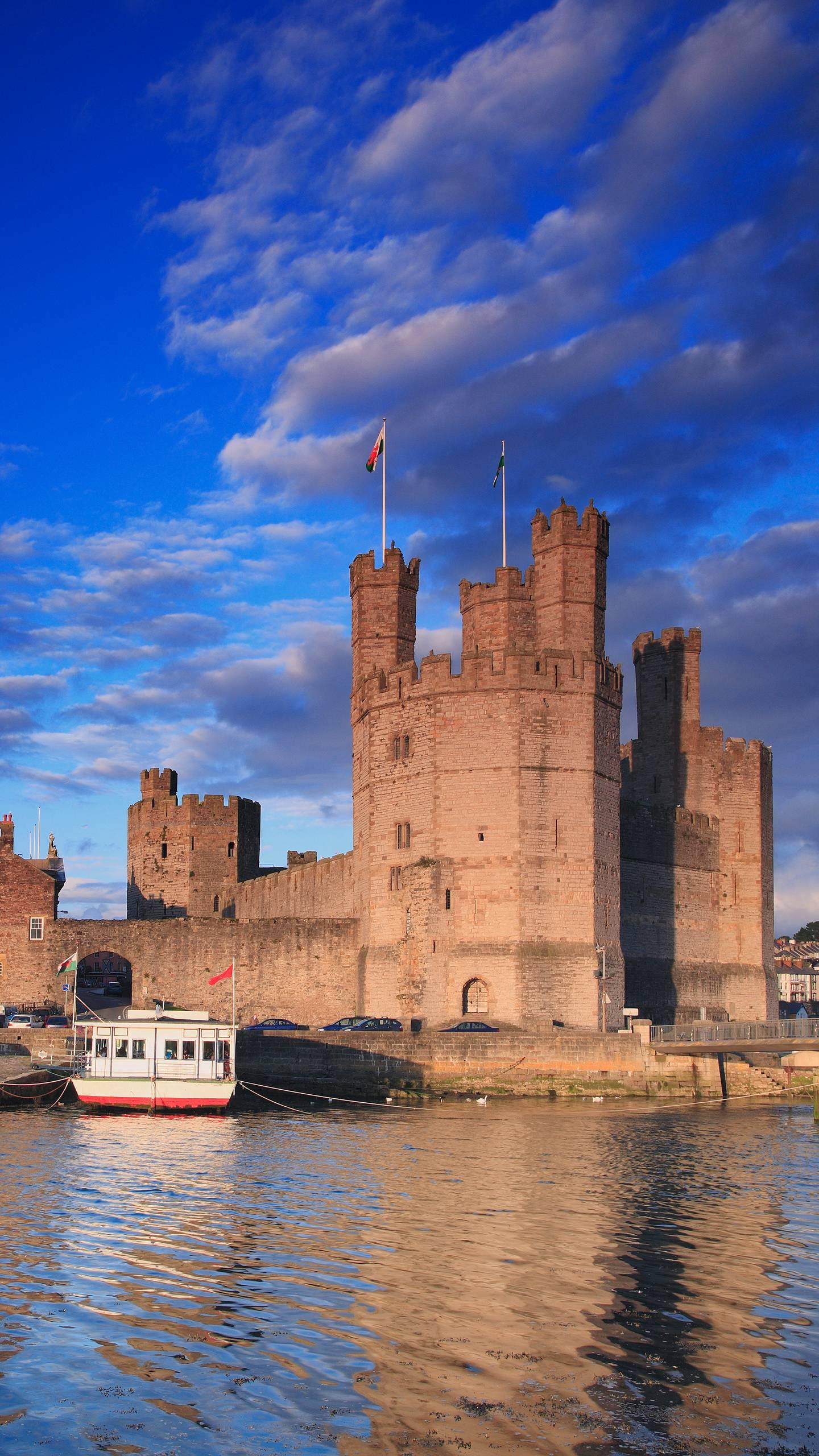 Not to be missed by the English castle. These beautiful castles are a true portrayal of British history.