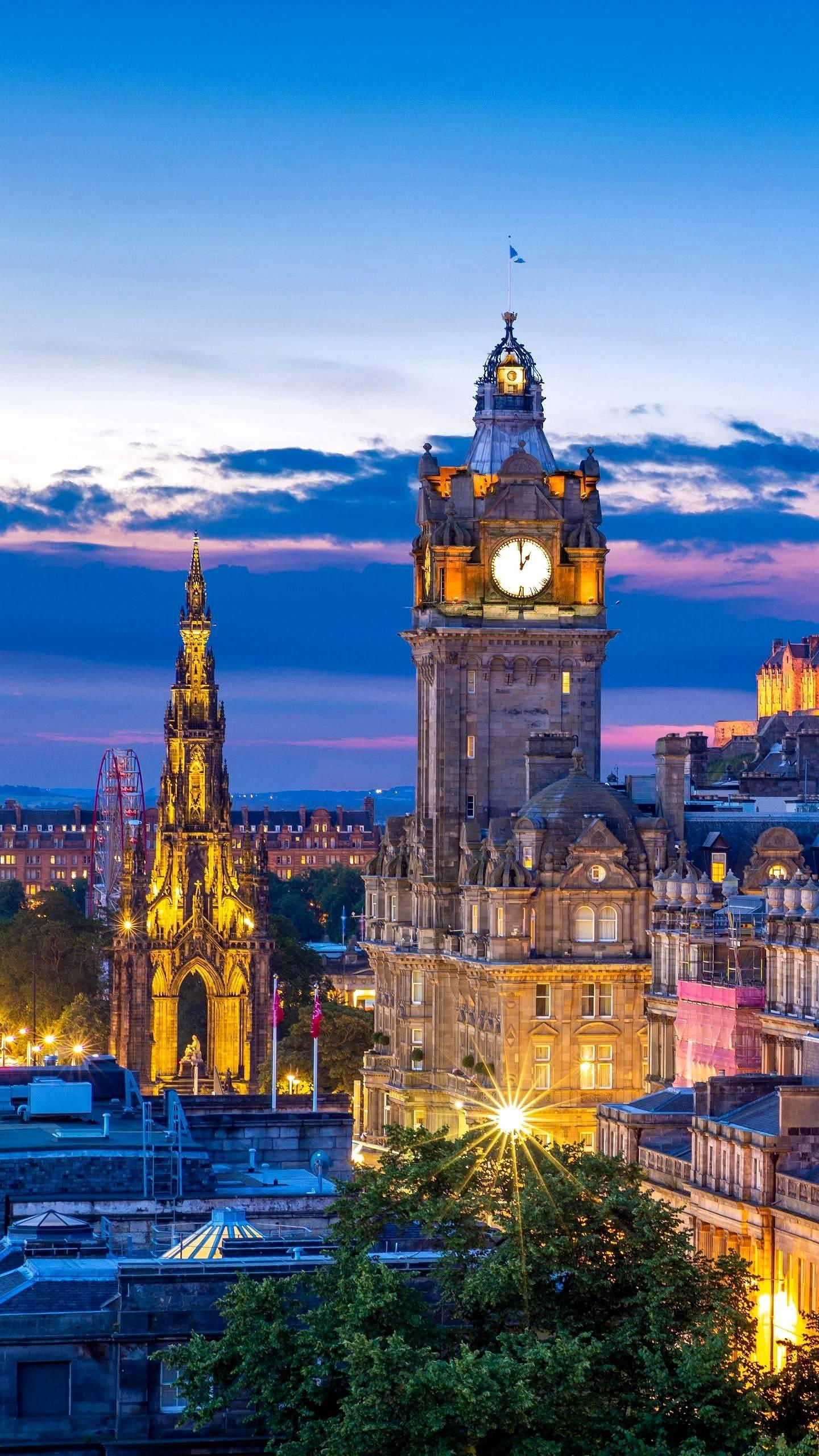 The heart of Scotland: Edinburgh. Thousands of years of history have left an ancient charm for the city. It is worthwhile to measure with the footsteps and feel with the heart.