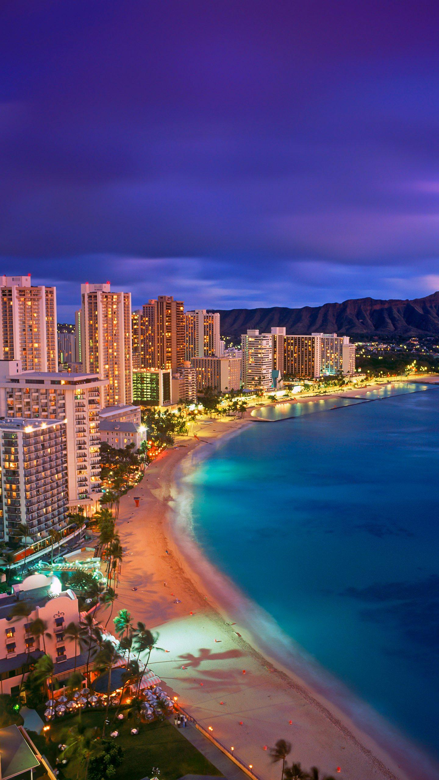 How does Hawaii play? Hawaii has a pure and splendid natural scenery, a warm climate, and a fascinating sense.