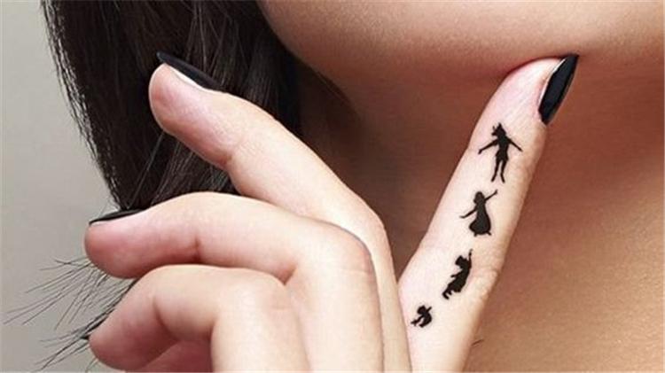 Mini Tattoos On Finger, Simple Tattoo, Beautiful Tattoos, Sex Tattoos, Mini Tattoos, Finger Tattoos, Meaningful Tattoos, Chic Tattoos