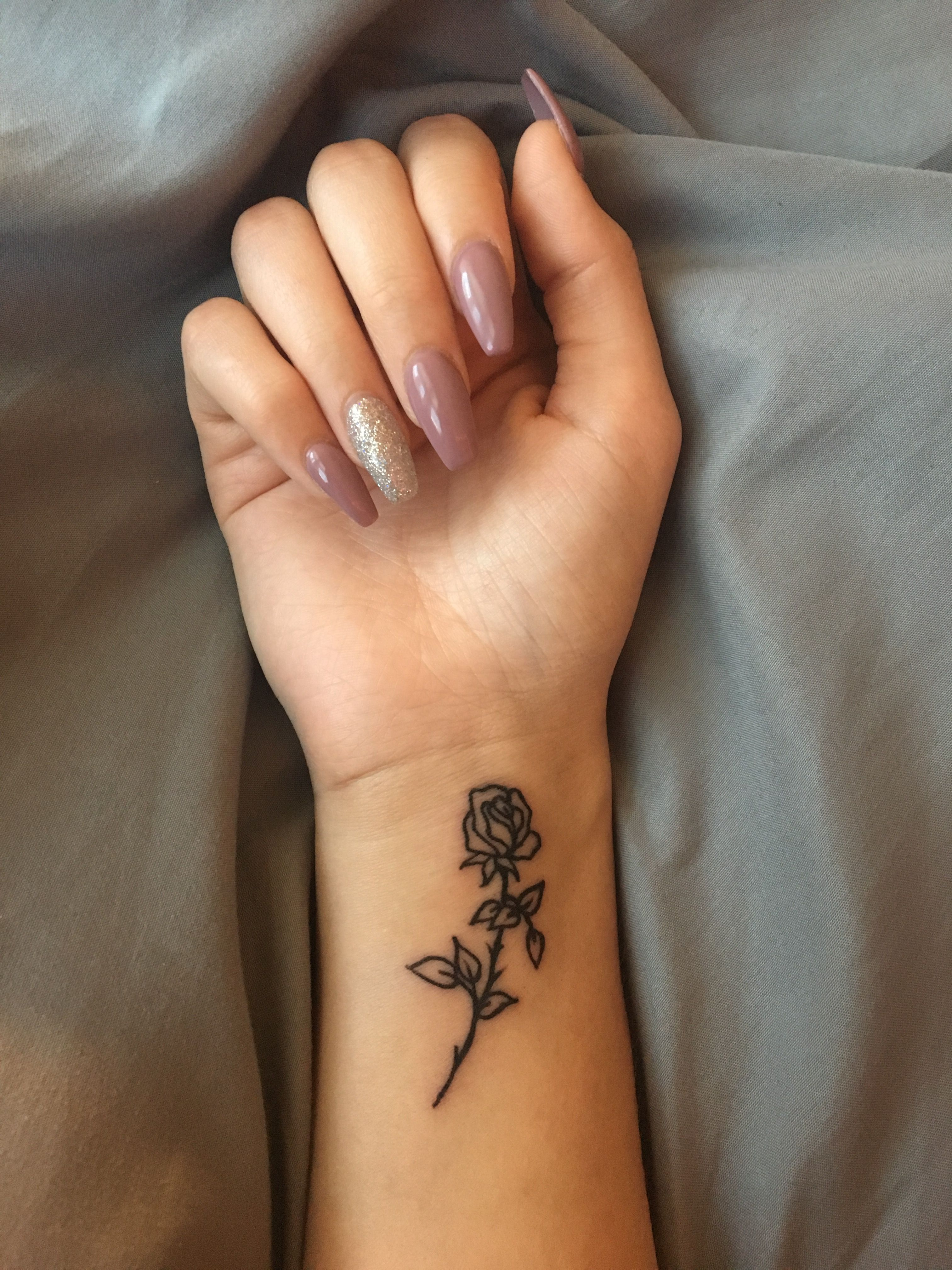 50+ Simple Tiny Small Rose Tattoo Ideas for Women