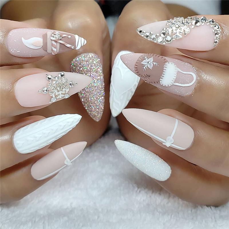 14+ Cute Macaron Stiletto Nails Designs for Winter Season