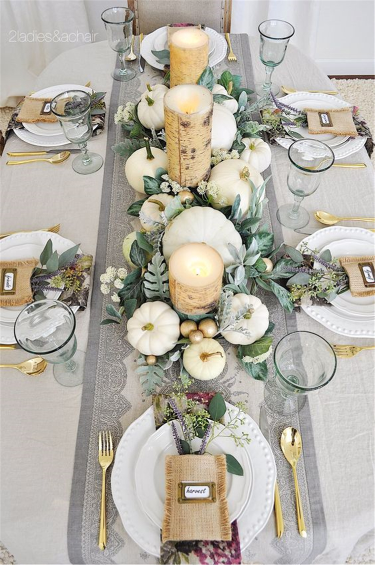 Simple Holiday Table Decorations Centerpiece
