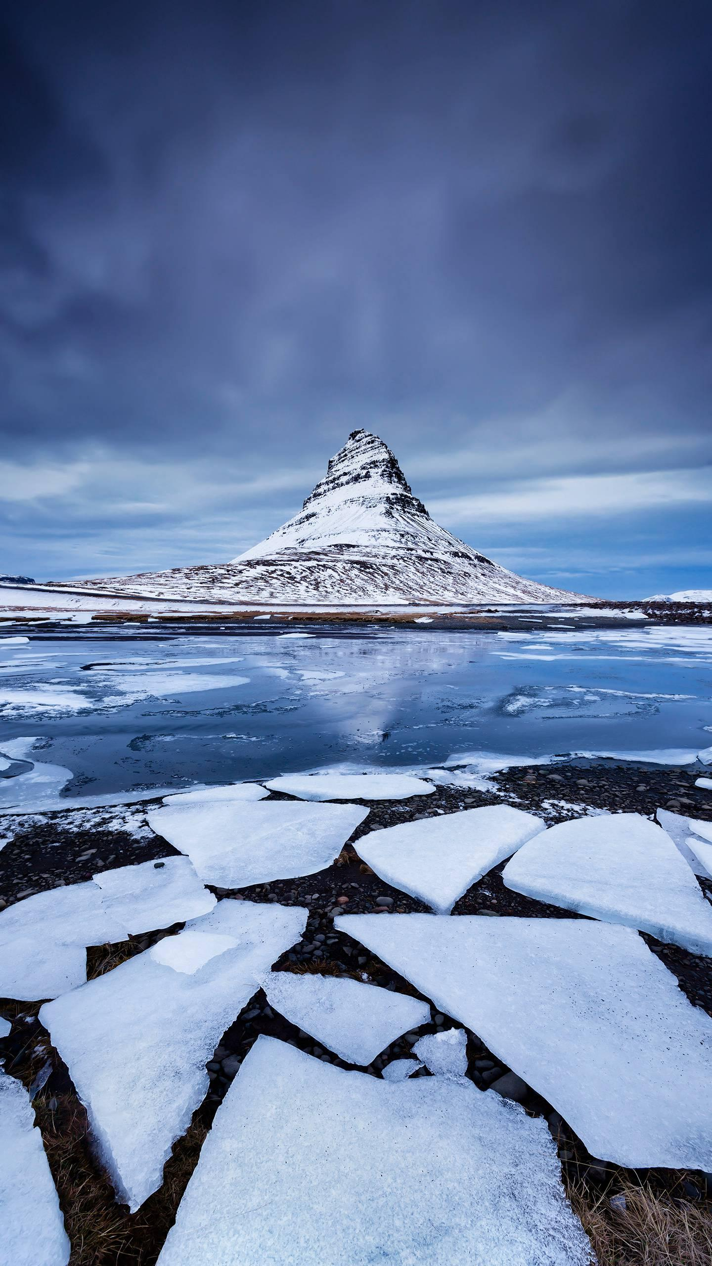 Going to Iceland in winter. What is the charm of Iceland in winter? Let's take a look.