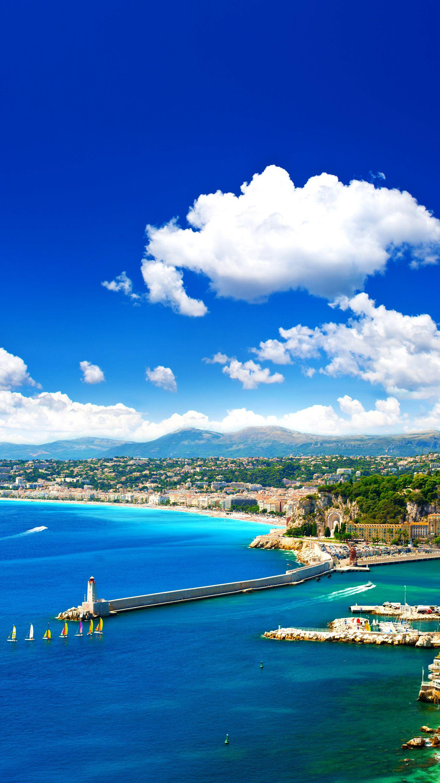 France - Nice. Nice all year round, the blue Mediterranean and the hustle and bustle of the Alps are the city's eternal landmark.