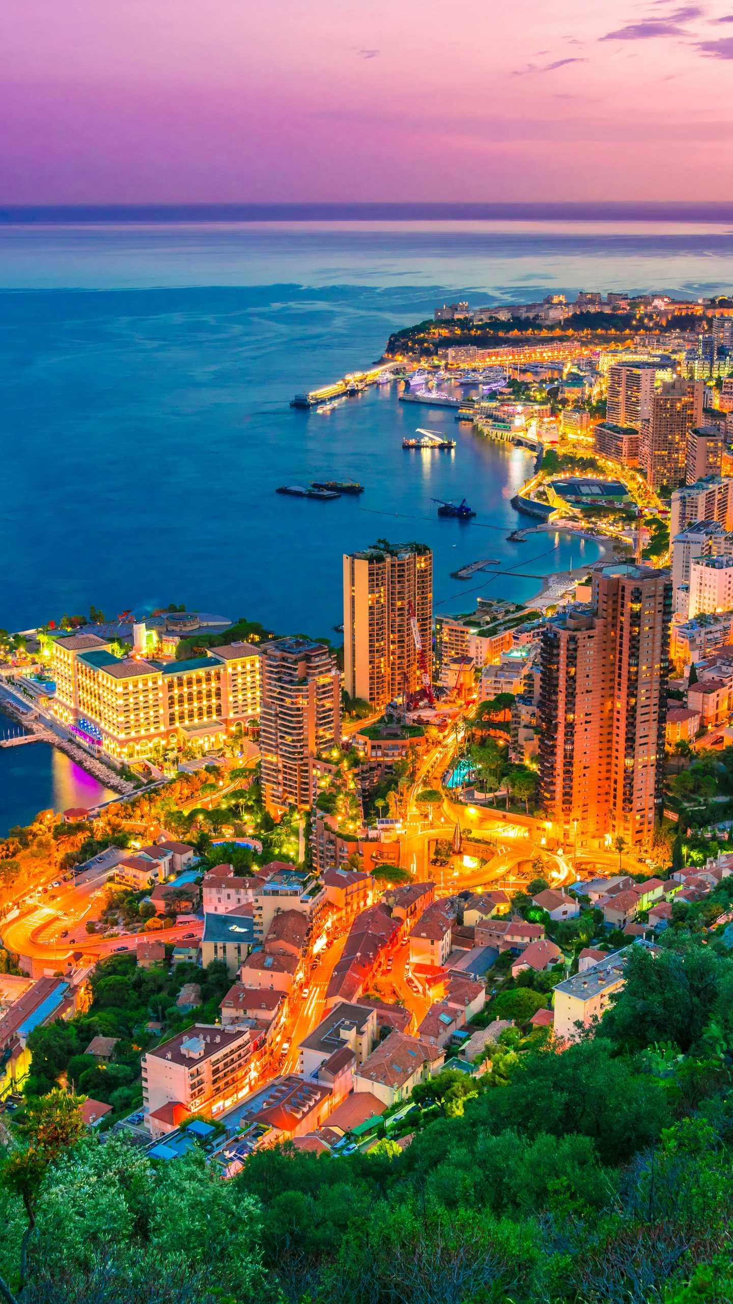 "Small pocket country: Monaco. One of the rare ""national China"", the country is extremely rich, and it is one of the countries with the highest per capita income in the world."