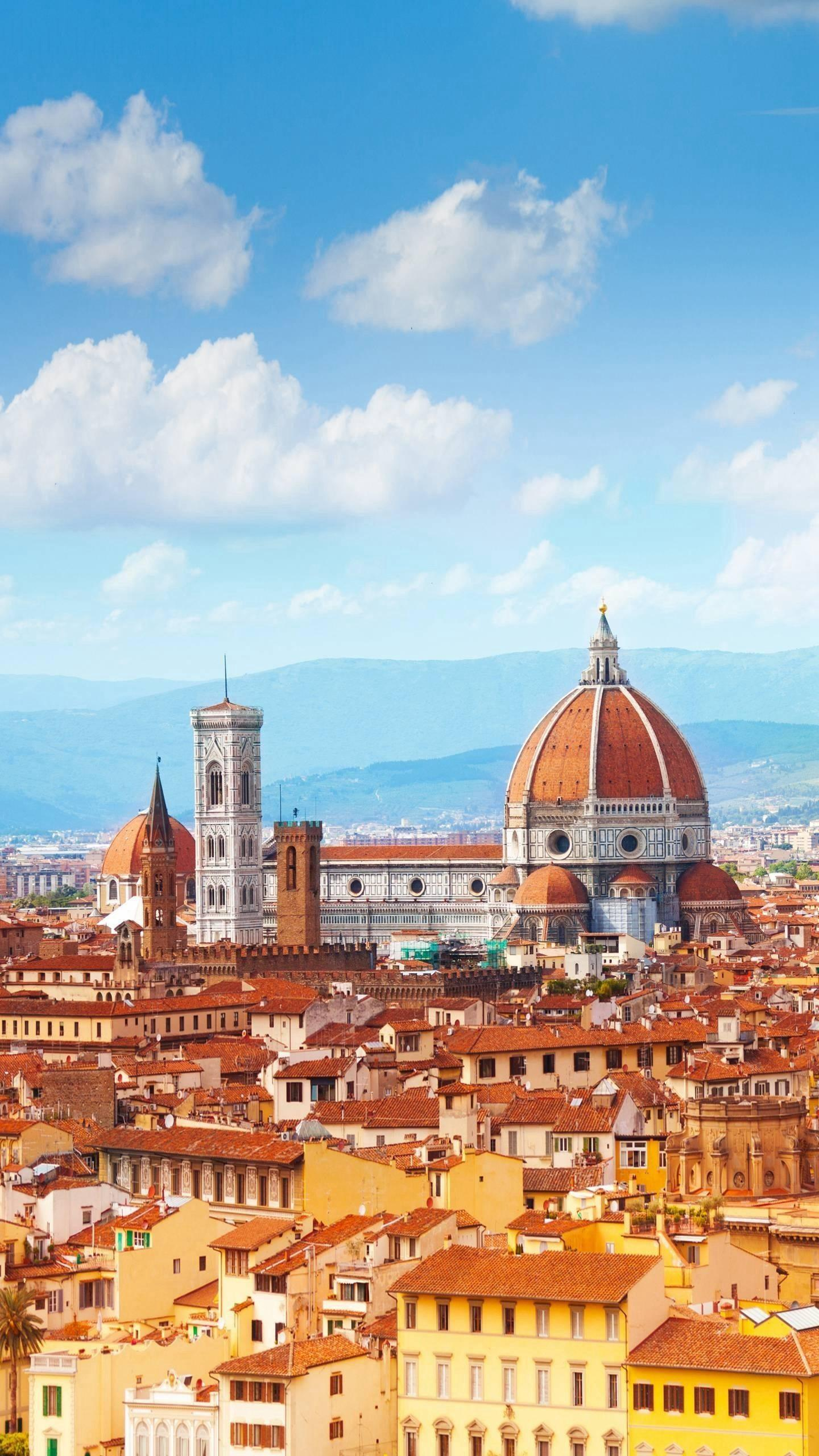 The sacred church. The main church of Florence was the greatest architectural masterpiece of the Renaissance, and the dark red dome became its symbol.