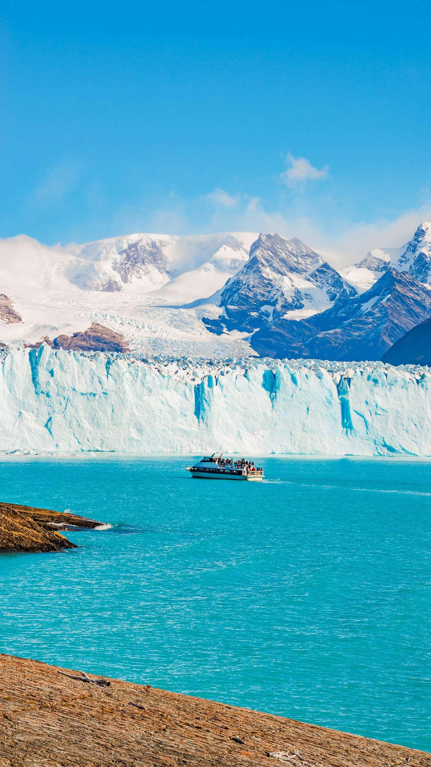 Moreno Glacier. One of the few live glaciers in the world, the spectacular sight is as if it were in the glacier age.