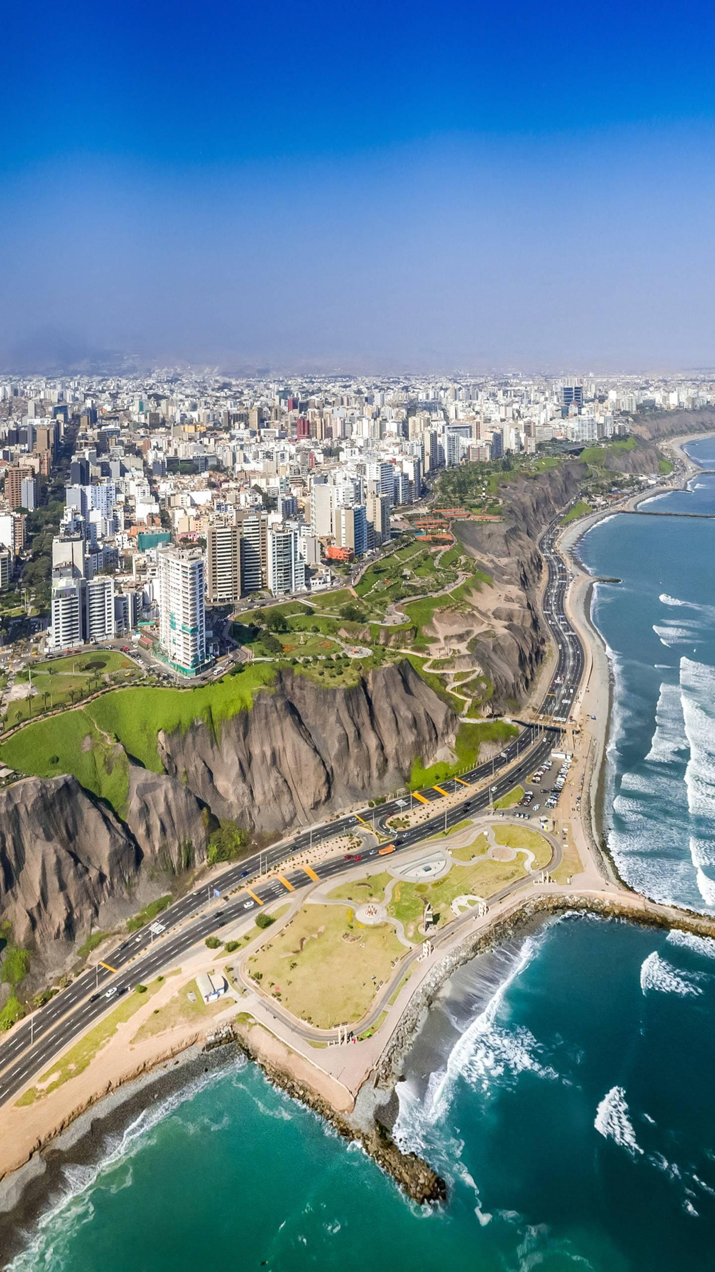 Rain-free capital: Lima. The capital of Peru, the world-famous rain-free city, has no storms all year round.