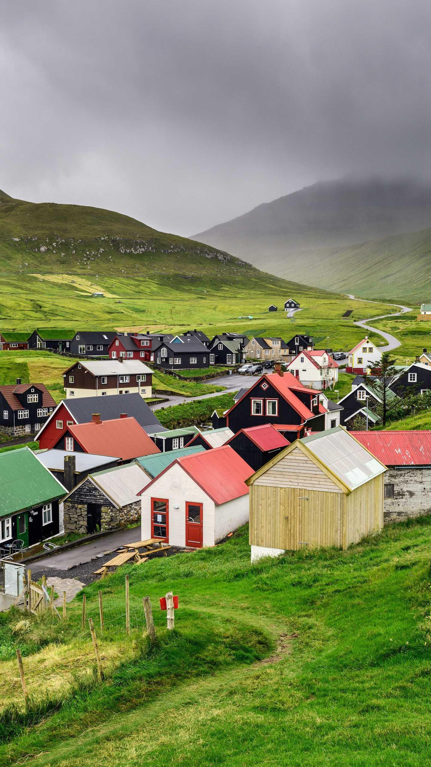The Faroe Islands, the Faroe Islands, are located between the Norwegian Sea and the North Atlantic Ocean, halfway between Norway and Iceland.