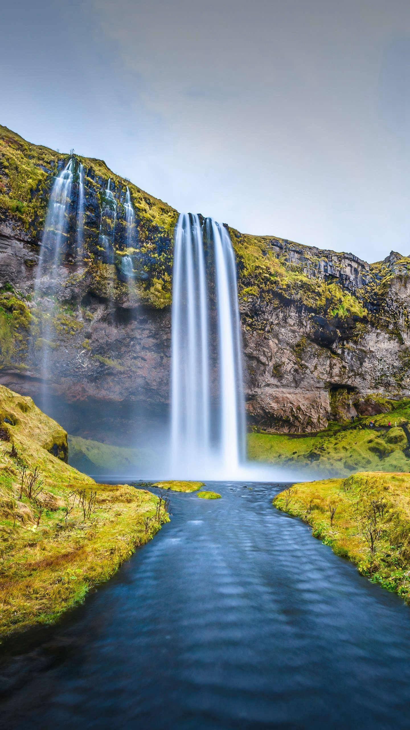 Iceland's most beautiful waterfall. The Seri Yalan Waterfall is considered to be one of the most beautiful waterfalls in Iceland, between the Cisco Achilles Falls and Selfoss.