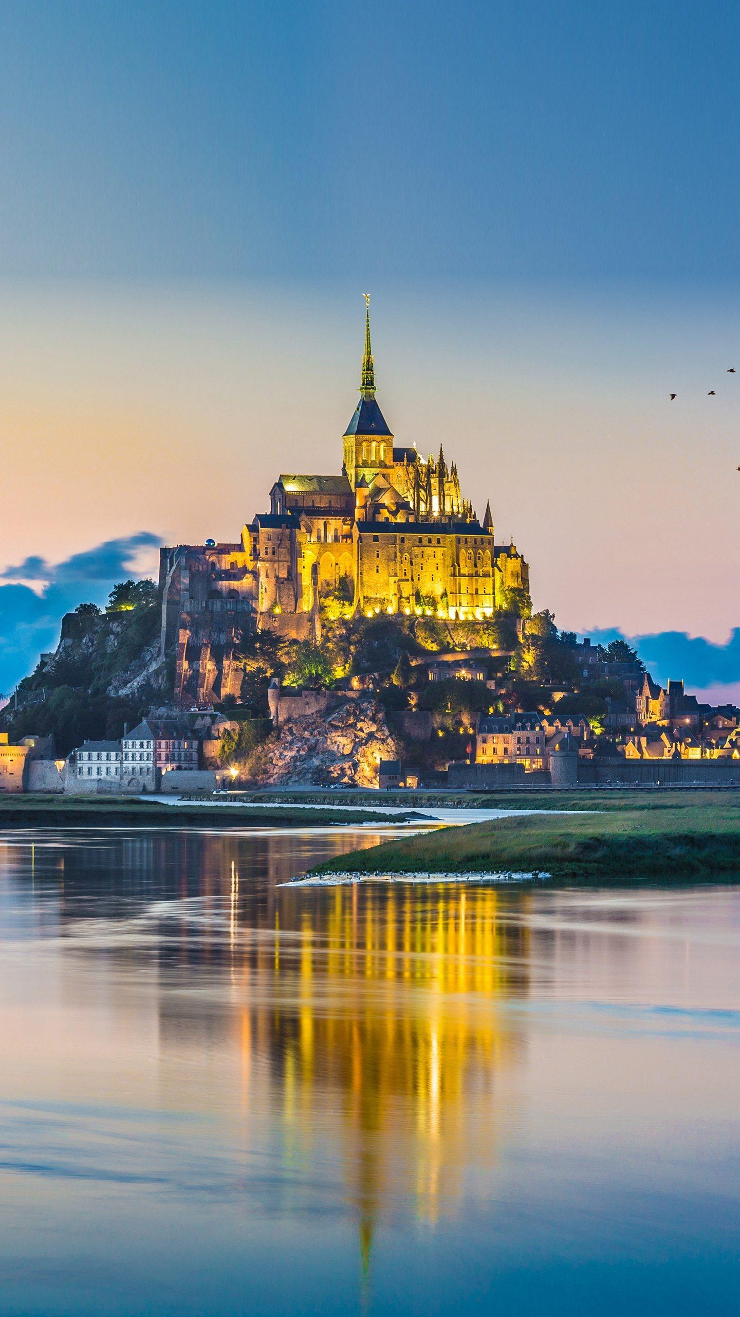 Le Mont Saint Michele Castle. Le Mont Saint Michele Castle, one of the most famous Catholic holy places in Europe, has a beautiful and mysterious landscape.