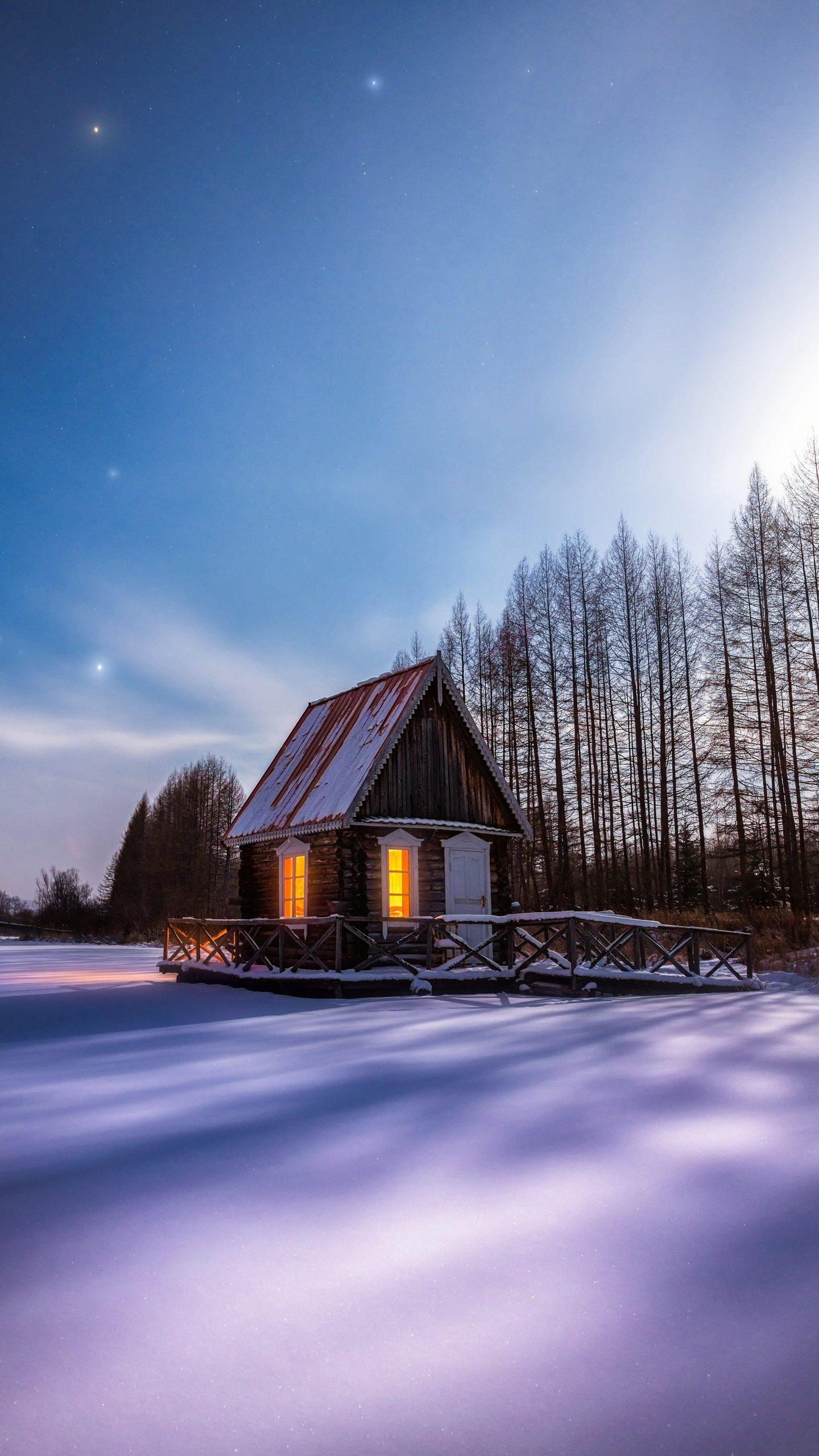 Snow shooting tips. In the winter when the color is relatively simple, shooting enough to catch the eye, the photographer needs super strength. ©图虫创意