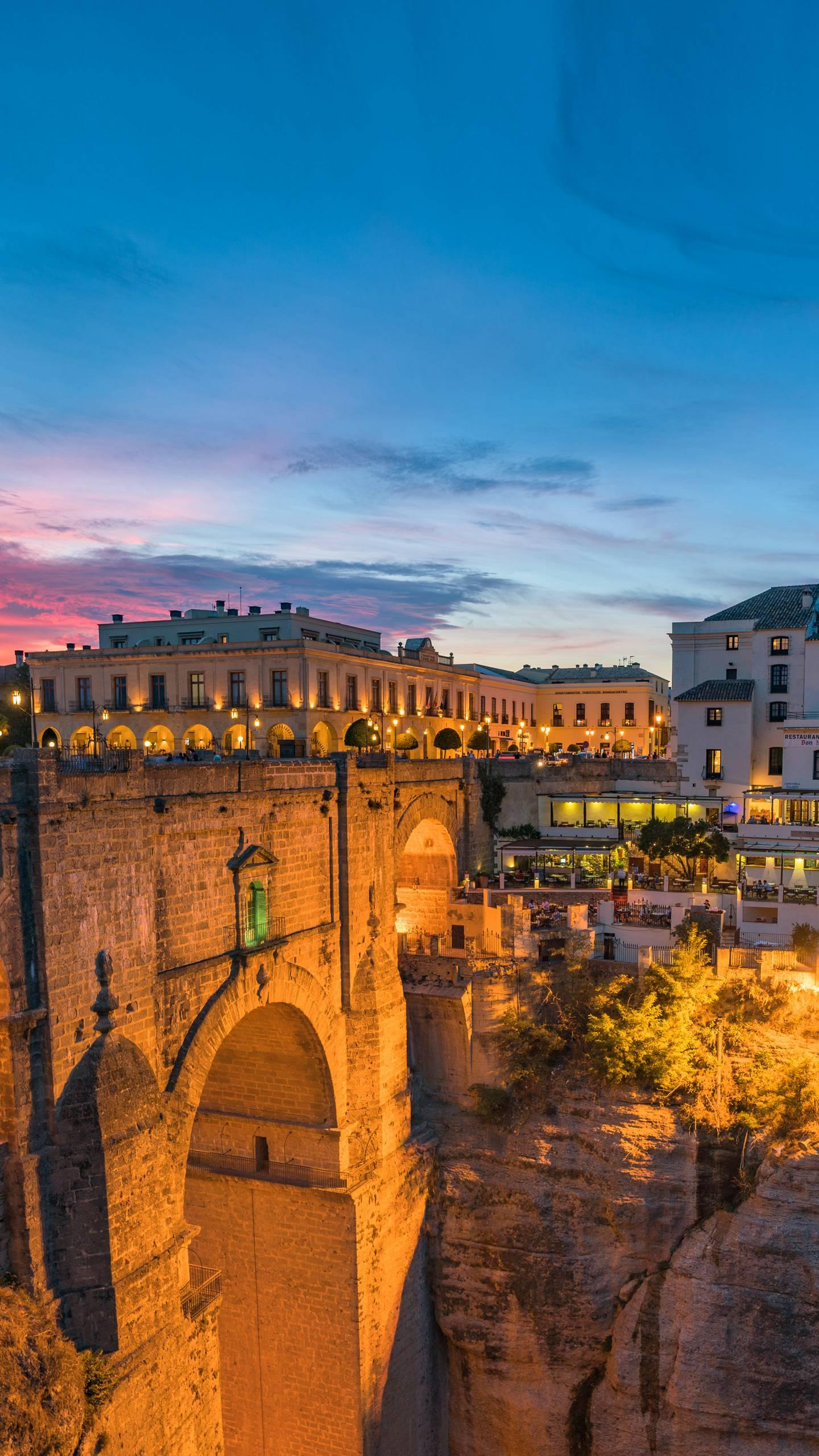 Spain - Ronda. Born in the era of the Roman Empire, the old city stands on a cliff, giving a thrilling sense of beauty.