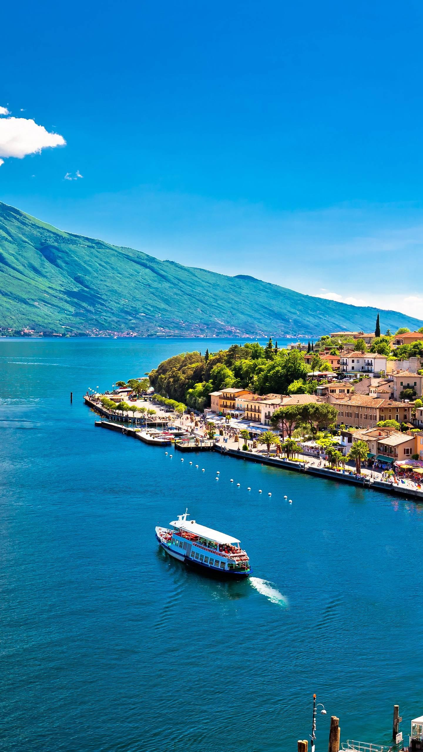 Taste the monumental ruins of Italy, Rome, the golden hills of Tuscany, the romantic waterways of Venice, and Italy is always fascinating.