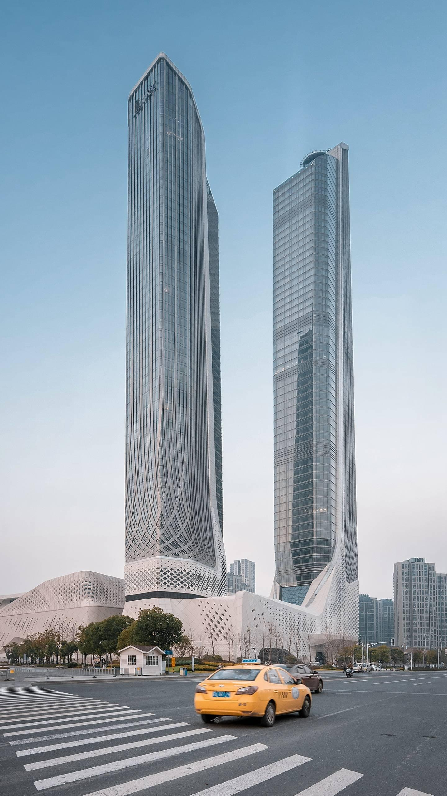 China's twin towers. Speaking of the twin towers may think of the Kuala Lumpur Twin Towers, but in fact there are many twin tower buildings in China.
