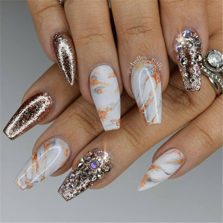 20 Long Coffin Nails Shapes With A Marble Effect