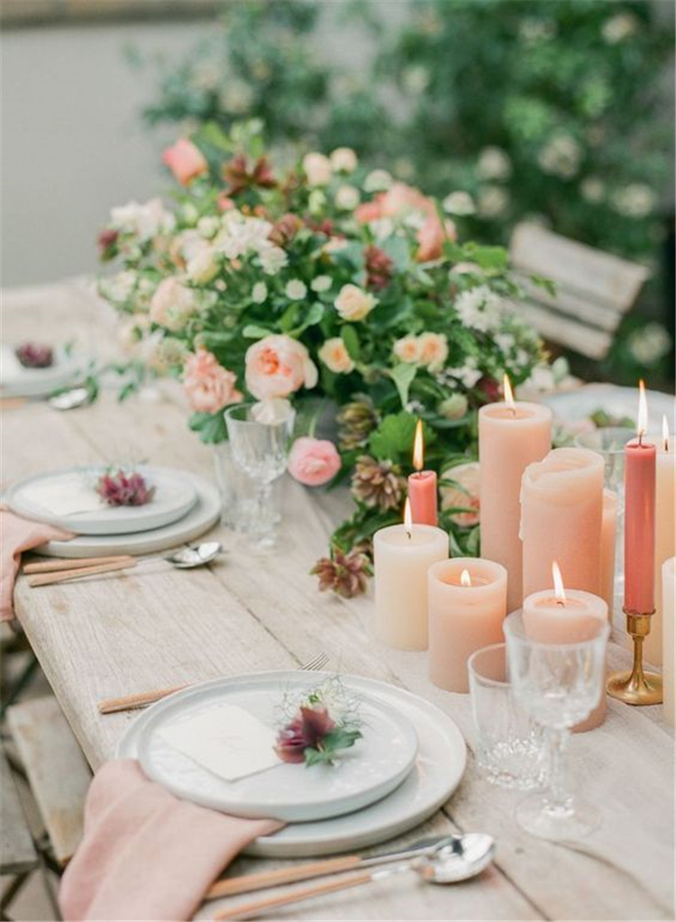 Pink Table Decorations, Christmas Table Decorations Centerpiece,Christmas Table Settings Ideas, Modern Christmas Tables capes, Christmas Table Decorations, home decor, interior design