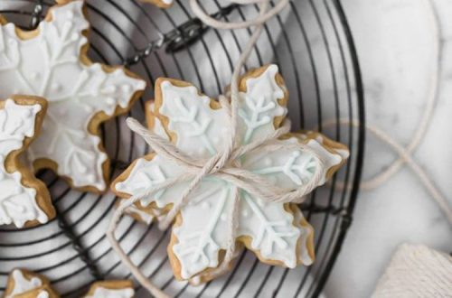 Snowflake Cookies, Christmas Decorations; Christmas Crafts; Christmas Gifts;Christmas Cookies; Gingerbread Cookies, Decorated Cookies