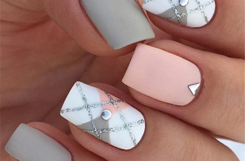 elegant sqaure matte nails design ideas; square acrylic nails; spring nails; matte nails design; long sqaure matte nails #mattenails