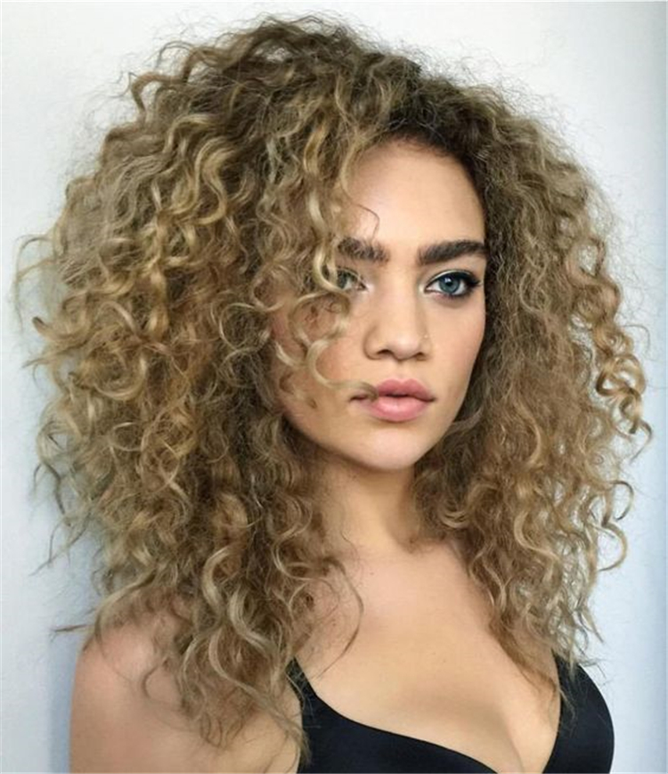 long curly hairstyles; trendy hairstyles and colors 2019; side part long curly hair; middle parted long curly hair #longcurlyhairstyles