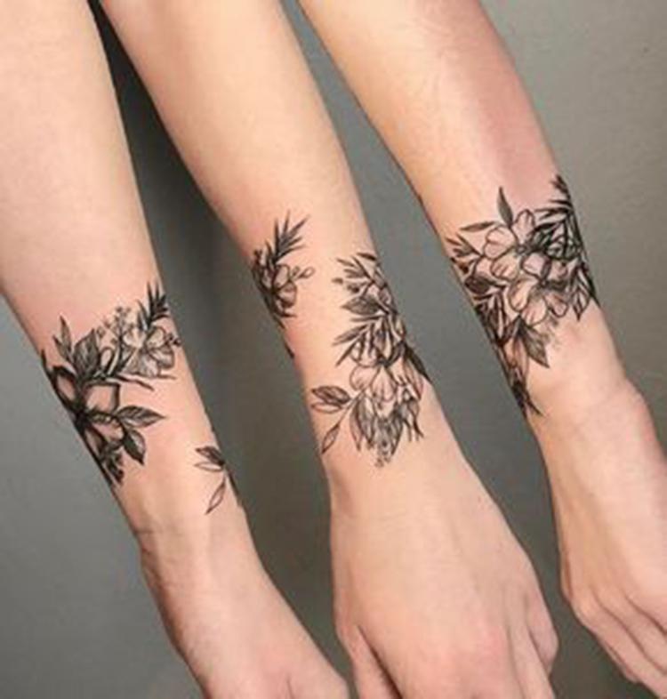 Mini Tattoos On wrist; Simple wrist Tattoo; Beautiful Tattoos; Sex Tattoos; Mini Tattoo; Meaningful Tattoos;#wristtattoos #minitattoos