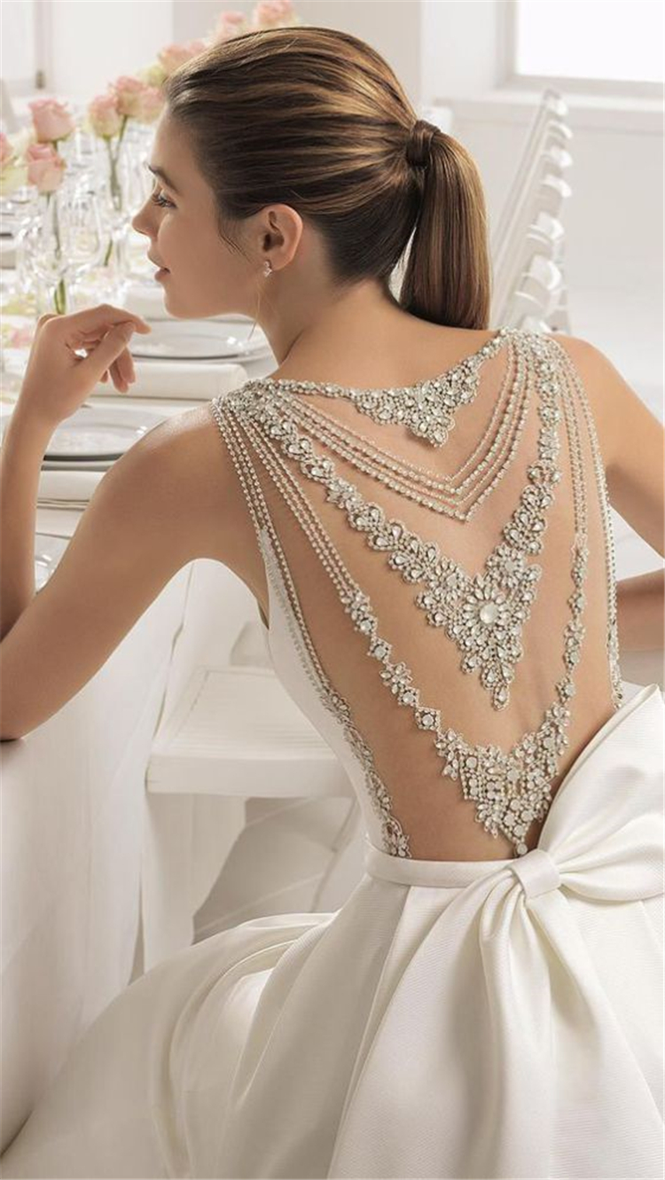 sexy wedding dress; open-back wedding dresses; white wedding dresses; elegant wedding dresses; romantic wedding; #weddingdress