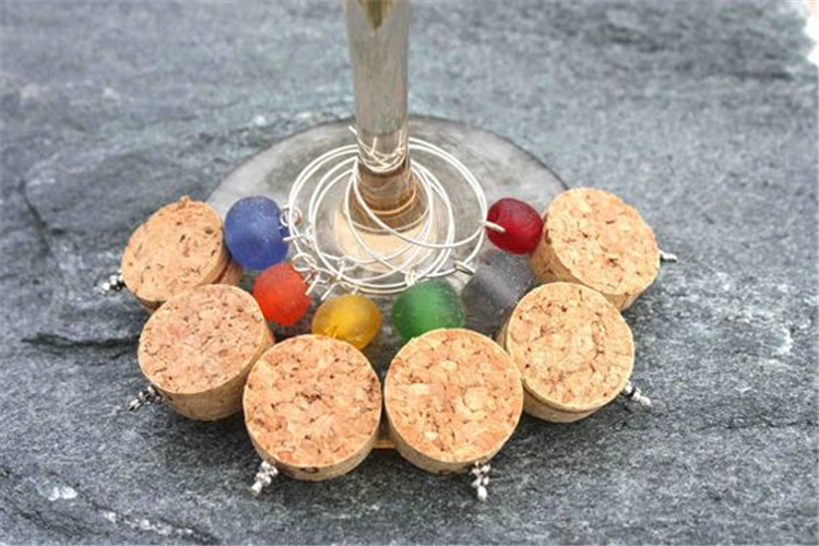 simple wine cork crafts ideas for kids; wine cork crafts; crafts wine cork ornaments; wine cork crafts diy; wine cork crafts diy holidays #kidscrafts