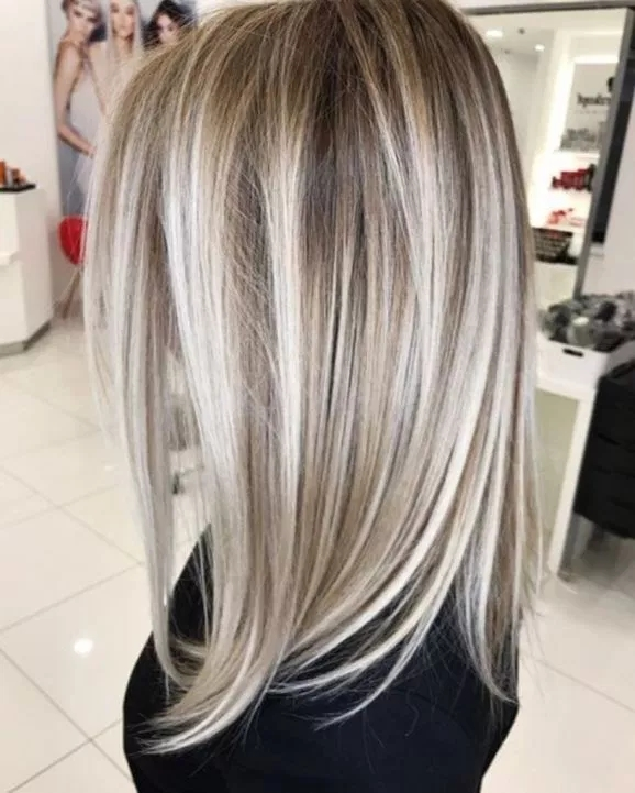 long straight hair with layers; coolest hairs color trends in 2019; trendy hairstyles and colors 2019; women hair colors; #haircolor