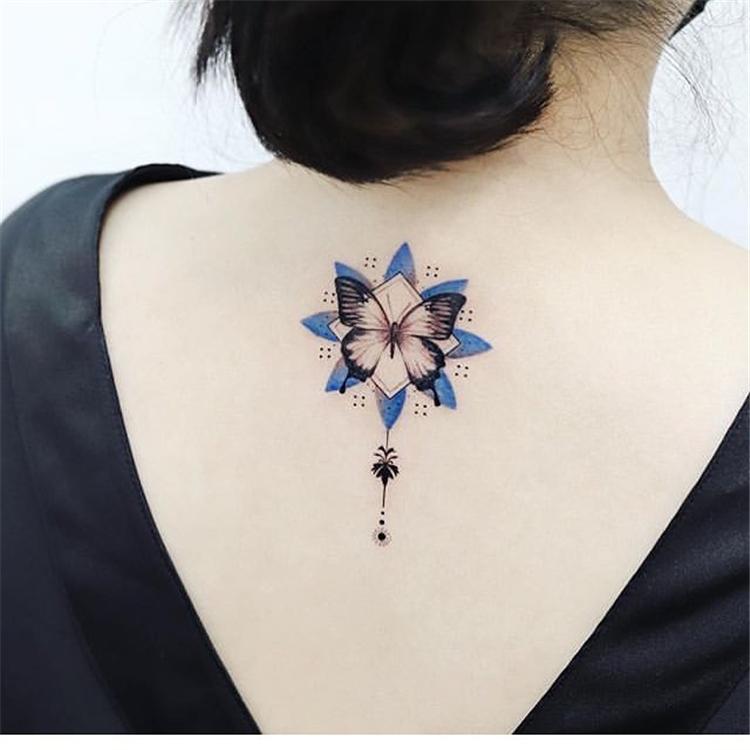 25 Bold Women Back Tattoo Ideas Art Designs Sumcoco
